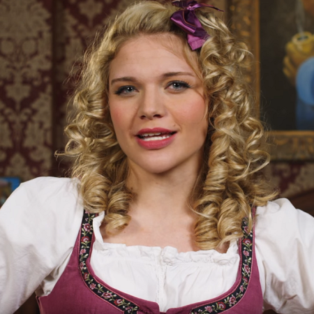 Goldilocks review mattresses in a quirky ad from this week's Video Worth Sharing.